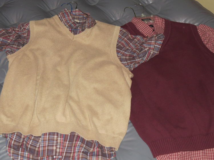 Throughout the movie Mitchell always wears sweater vests. It's his signature look throughout the years. Here are a couple of Teen Mitchell's sweater vest looks.