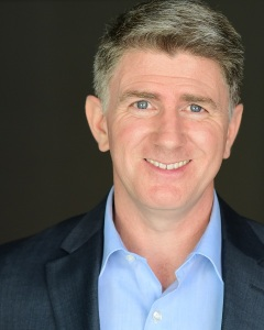 Robert Thomason headshot
